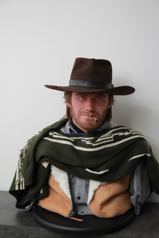 life size hollywood monster (hollow man, the mummy, etc...) - eastwood - rambo Thumb_10