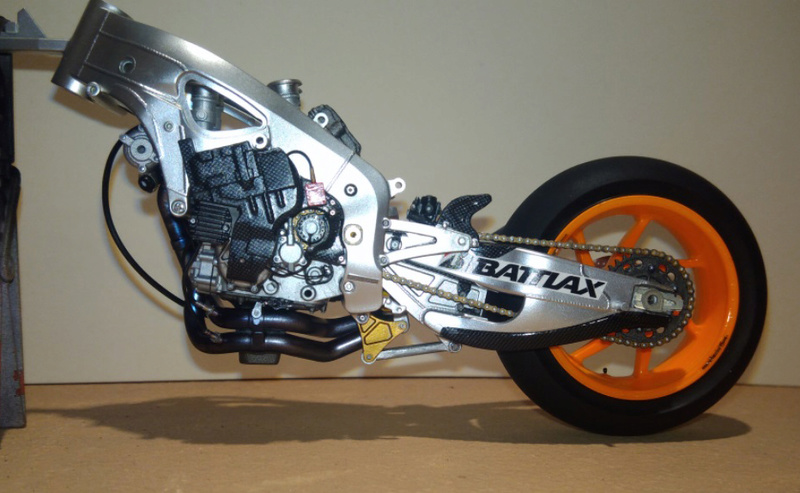 Honda RC213V Test bike 2014 - Modèle terminé!! P_201868