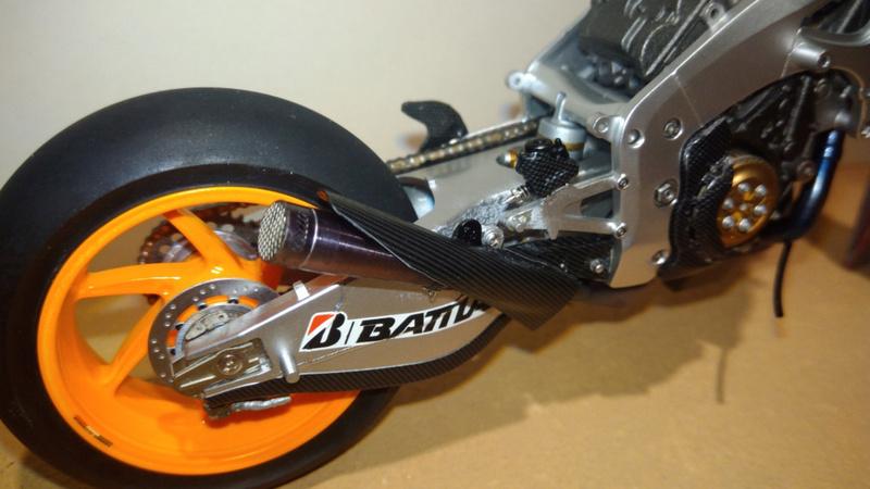 Honda RC213V Test bike 2014 - Modèle terminé!! P_201870