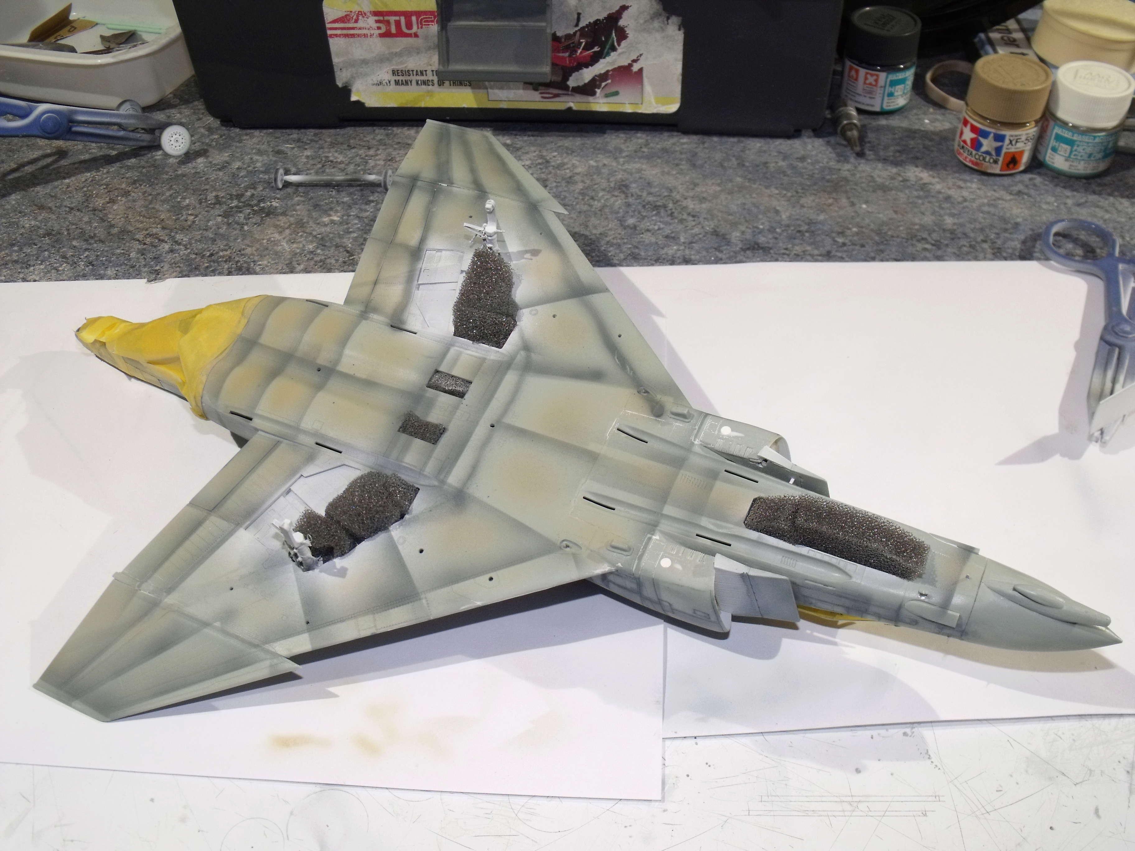 F-4 B Phantom 1/48° - VF-51 - 1972 - Début de patine. - Page 4 Dscf7038