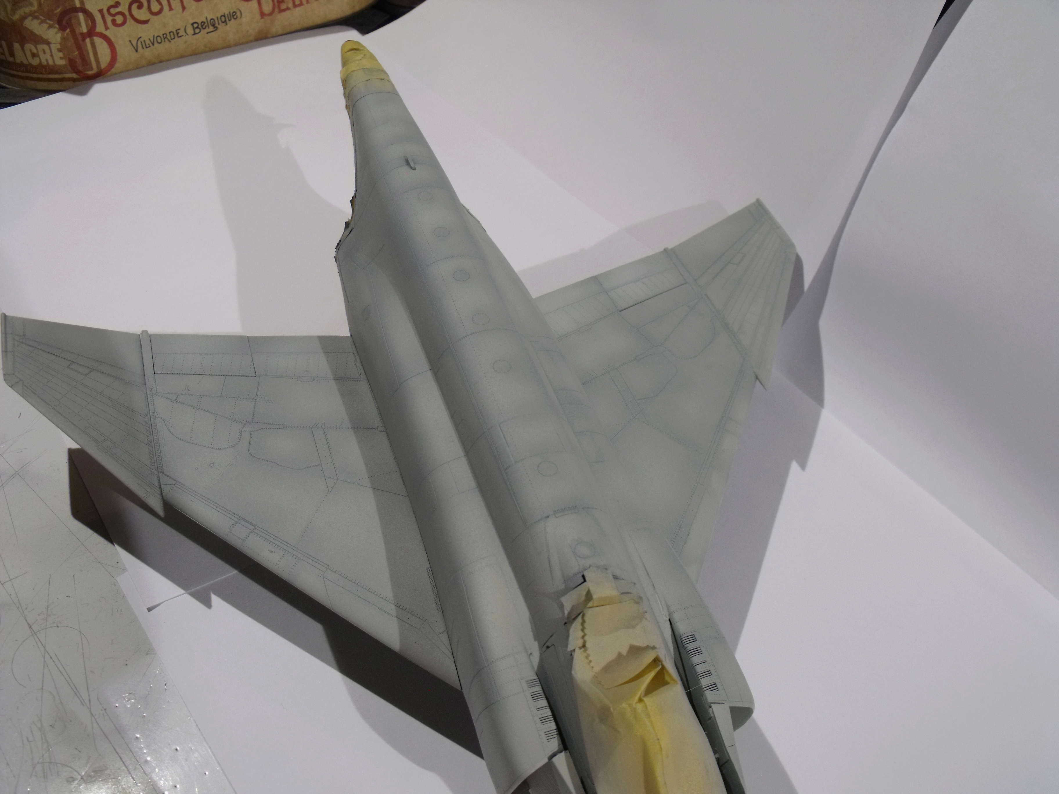 F-4 B Phantom 1/48° - VF-51 - 1972 - Début de patine. - Page 4 Dscf7042