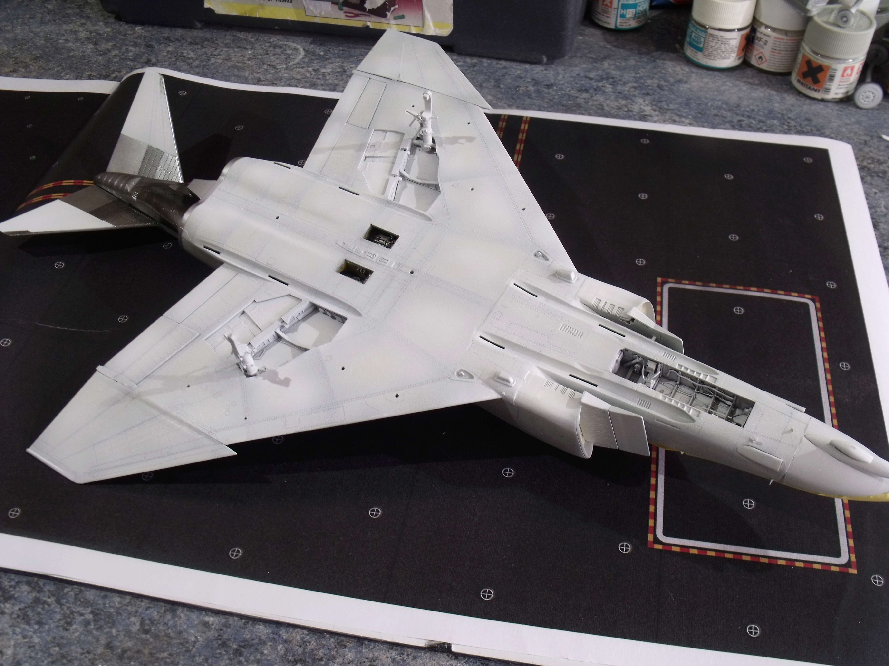 F-4 B Phantom 1/48° - VF-51 - 1972 - Début de patine. - Page 4 Dscf7136