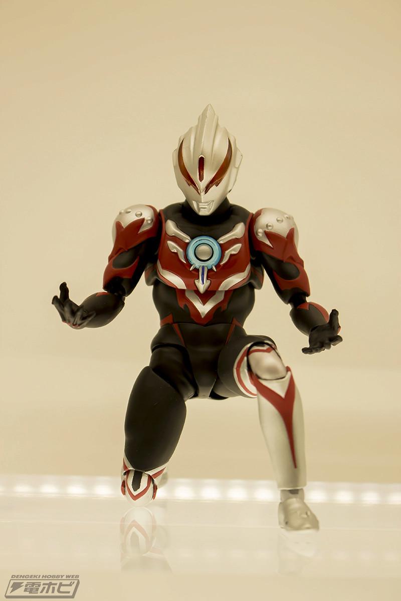 Ultraman (S.H. Figuarts / Bandai) - Page 2 10050211