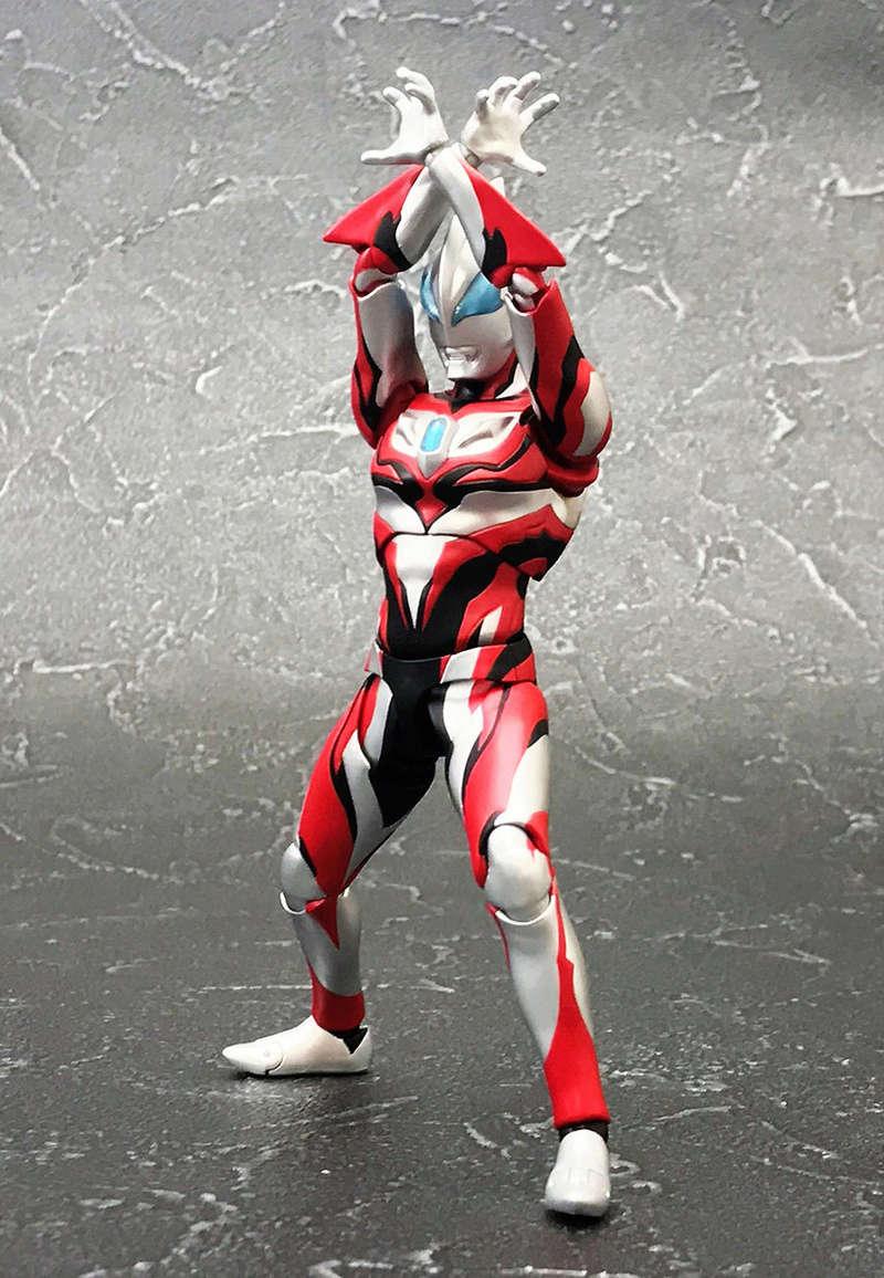 Ultraman (S.H. Figuarts / Bandai) - Page 3 11152710
