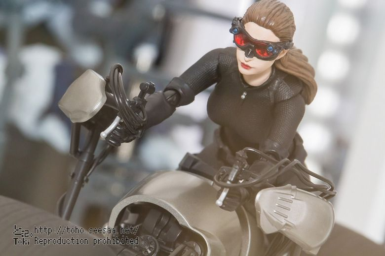 Catwoman - Batman The Dark Knigh rises - SH Figuarts (Bandai) 22042210