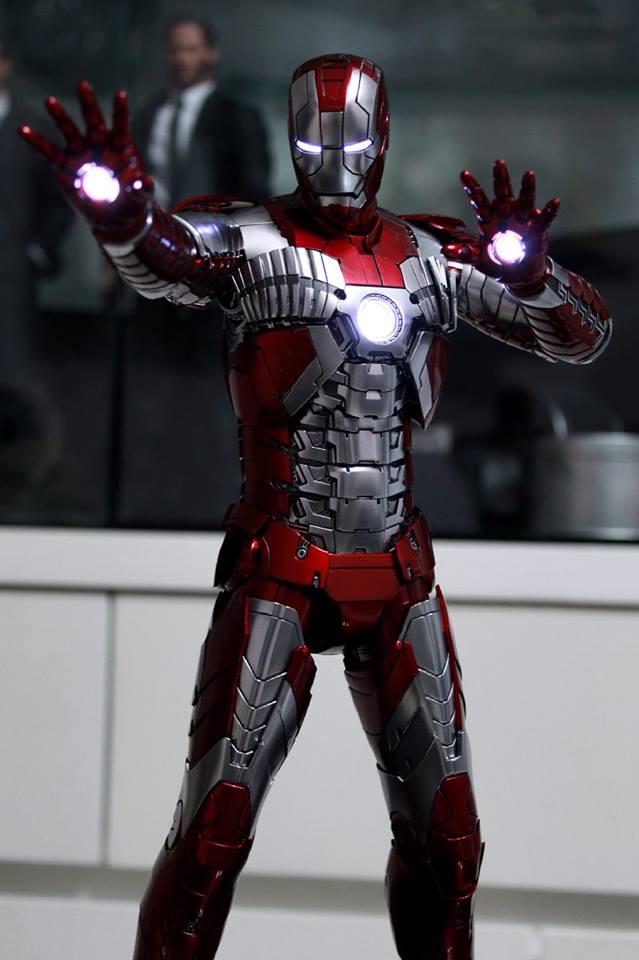 Iron Man 2 - Mark V (5) 1/6 (Hot toys) 29594810