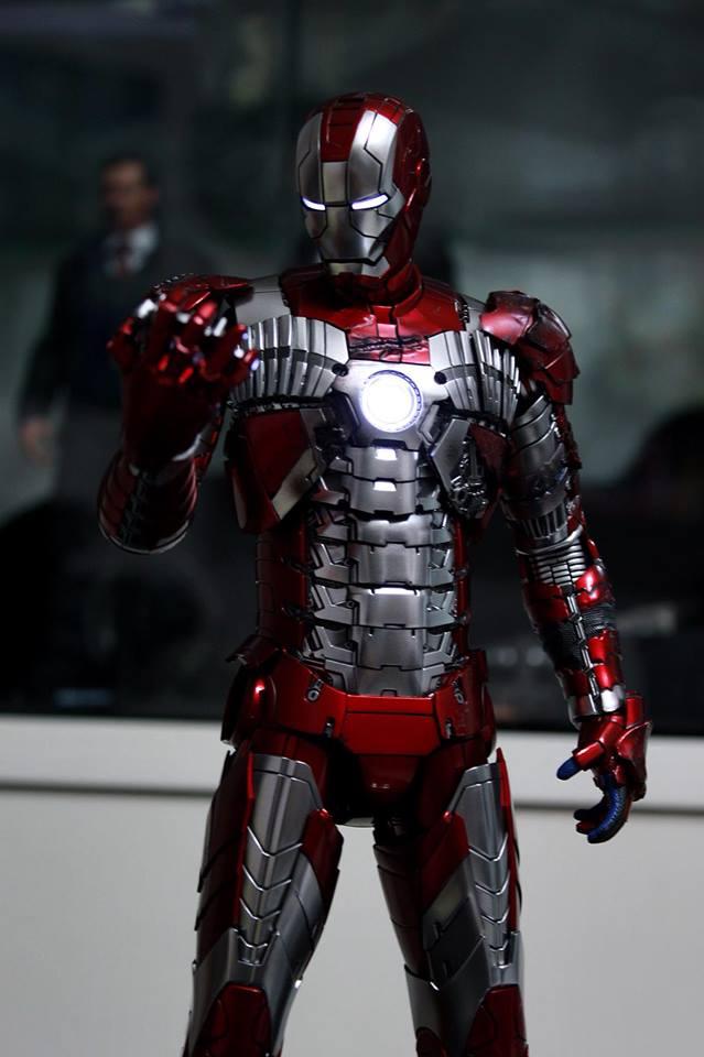 Iron Man 2 - Mark V (5) 1/6 (Hot toys) 29683010