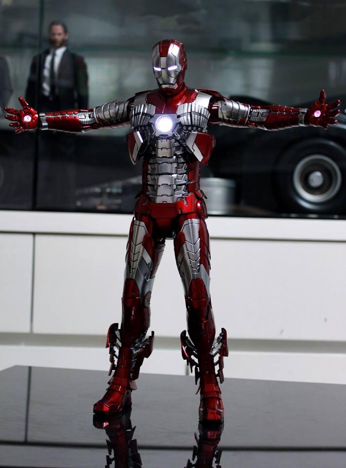 Iron Man 2 - Mark V (5) 1/6 (Hot toys) 29695110