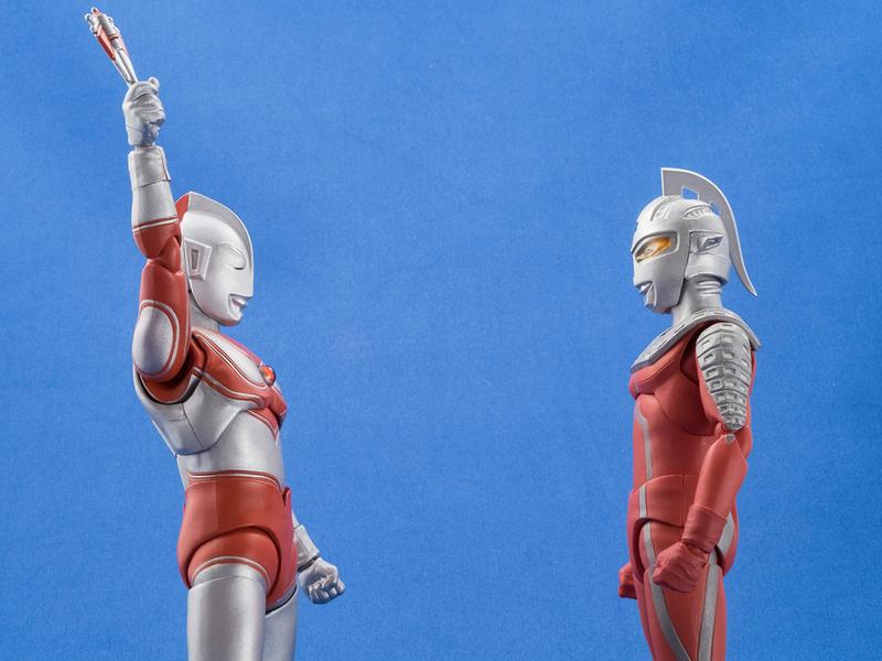 Ultraman (S.H. Figuarts / Bandai) - Page 4 2b1fd910