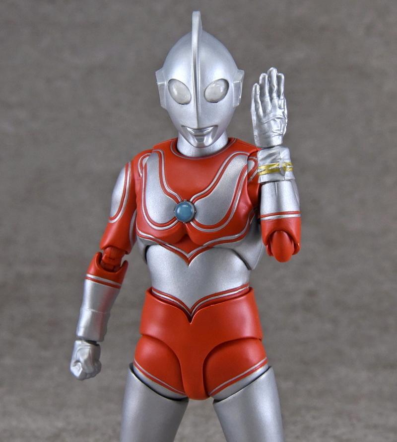 Ultraman (S.H. Figuarts / Bandai) - Page 4 2c788010
