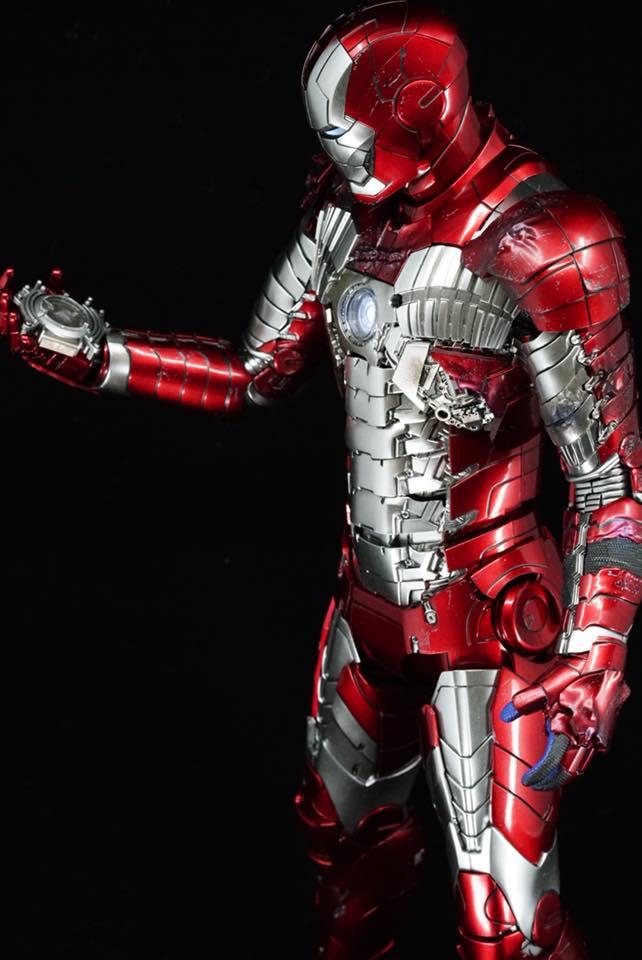 Iron Man 2 - Mark V (5) 1/6 (Hot toys) 32260811