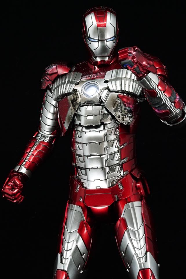 Iron Man 2 - Mark V (5) 1/6 (Hot toys) 32294410