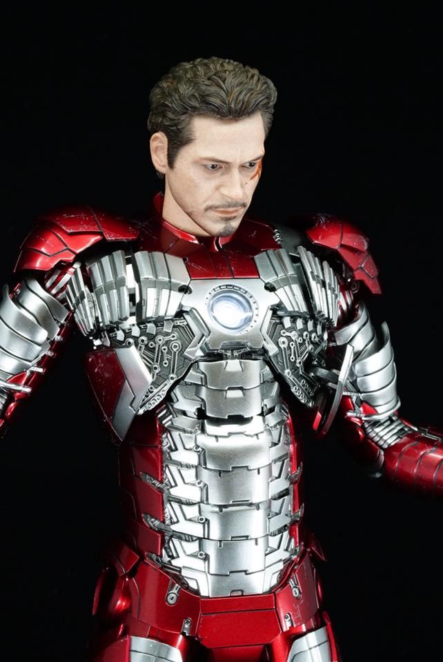 Iron Man 2 - Mark V (5) 1/6 (Hot toys) 32313710