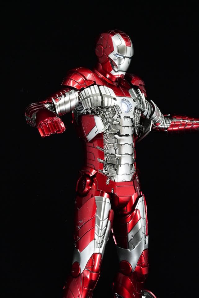 Iron Man 2 - Mark V (5) 1/6 (Hot toys) 32474711