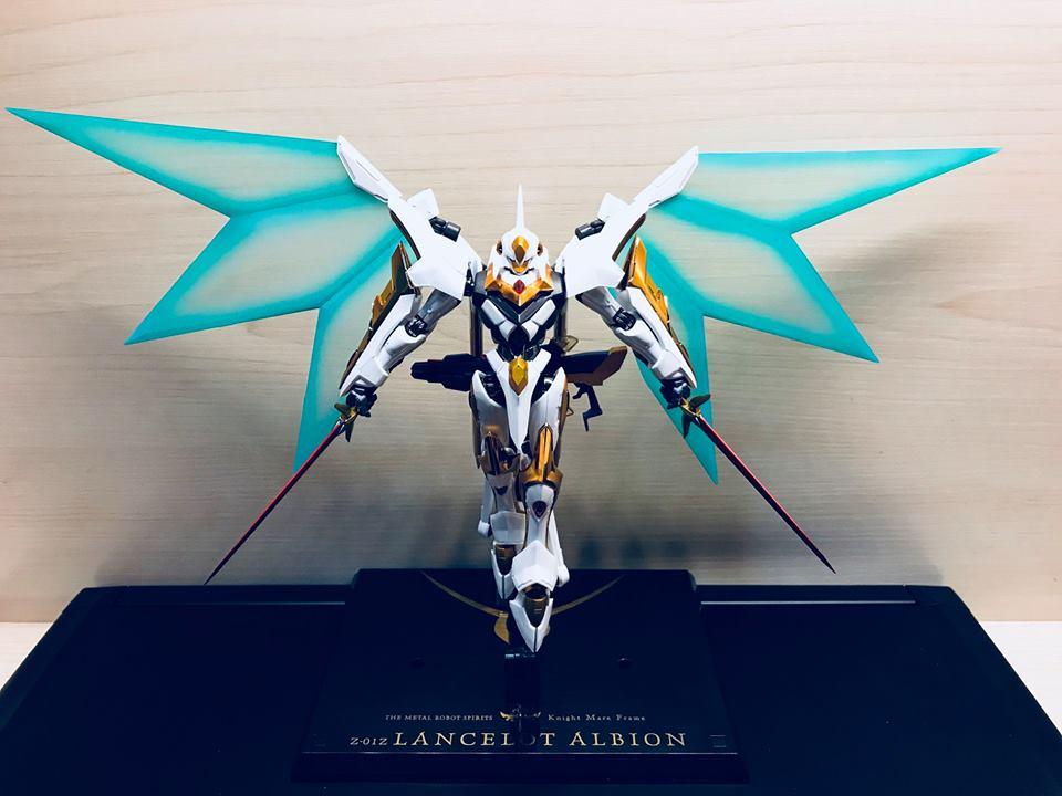 "Gundam : Code Geass - Metal Robot Side KMF ""The Robot Spirits"" (Bandai) - Page 2 33579910"