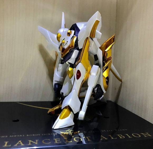 "Gundam : Code Geass - Metal Robot Side KMF ""The Robot Spirits"" (Bandai) - Page 2 33769010"