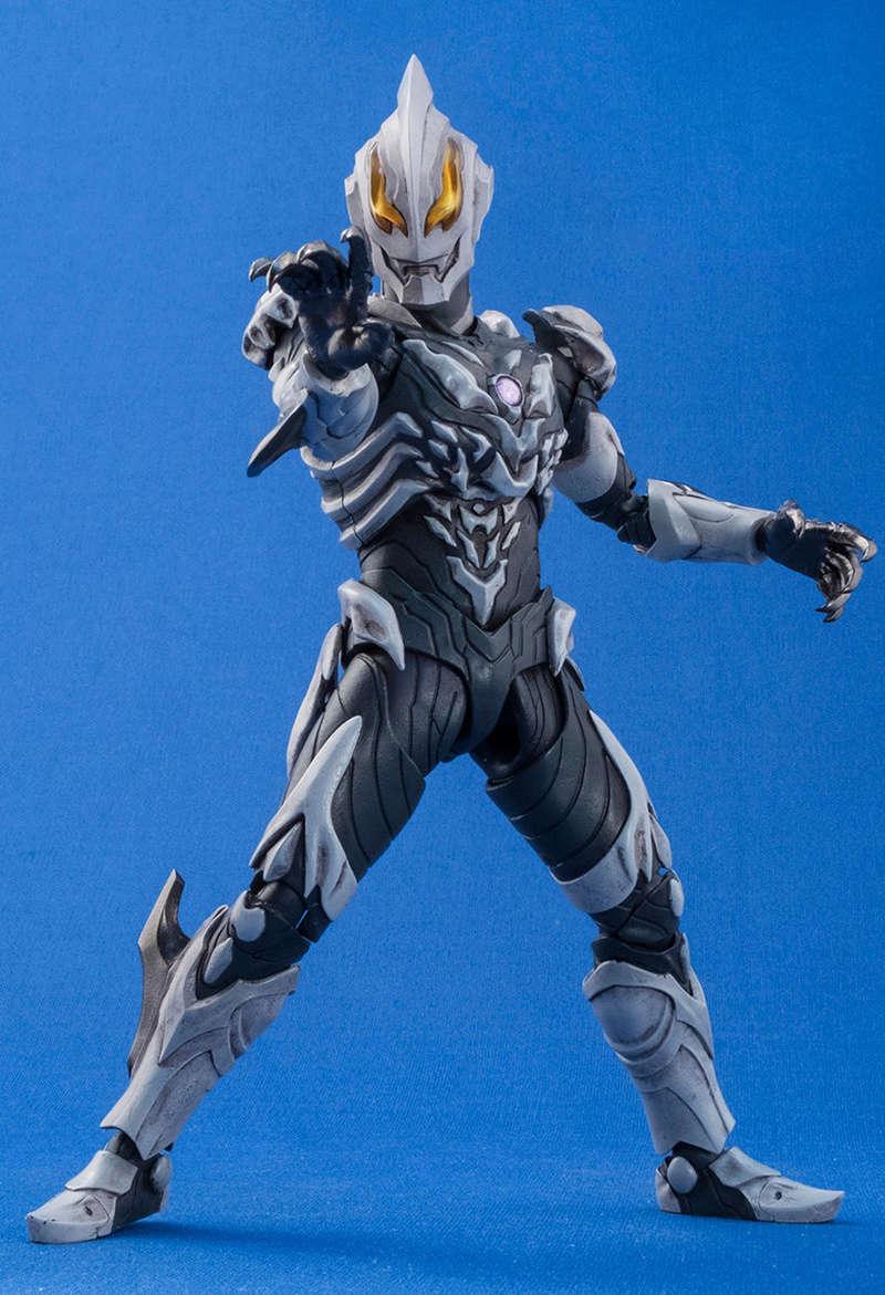 Ultraman (S.H. Figuarts / Bandai) - Page 4 3b500b10