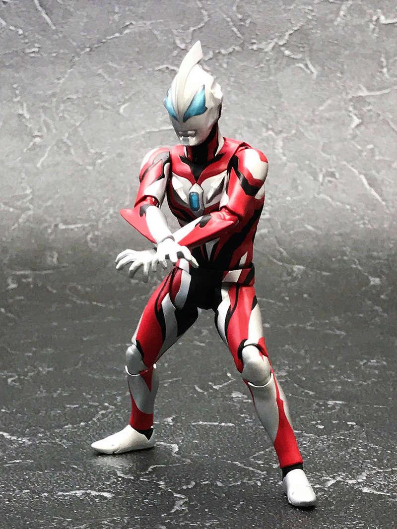 Ultraman (S.H. Figuarts / Bandai) - Page 3 3c69e410