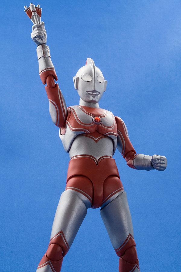 Ultraman (S.H. Figuarts / Bandai) - Page 4 44214410