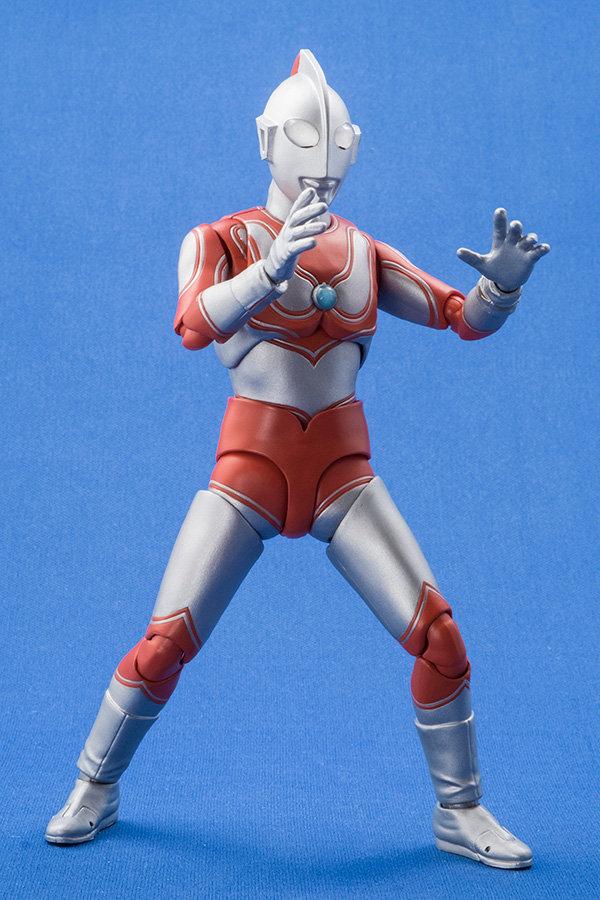Ultraman (S.H. Figuarts / Bandai) - Page 4 6c4fb010