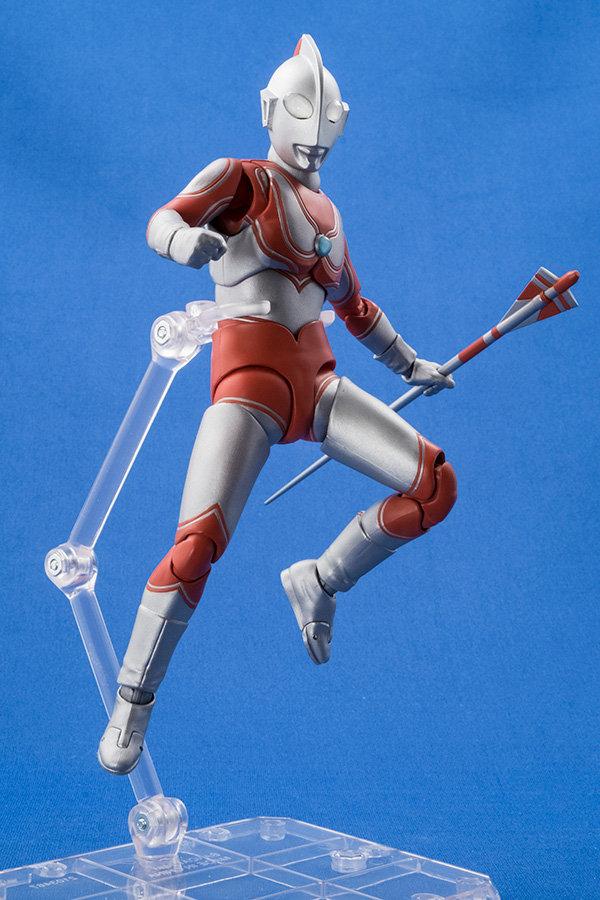 Ultraman (S.H. Figuarts / Bandai) - Page 4 6dae3910