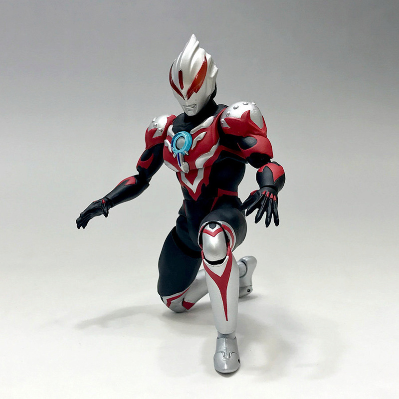 Ultraman (S.H. Figuarts / Bandai) - Page 3 Abd63c10