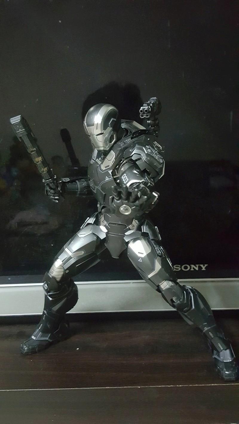 Captain America Civil War : War Machine 1/6 (Hot Toys) Af5j3s10