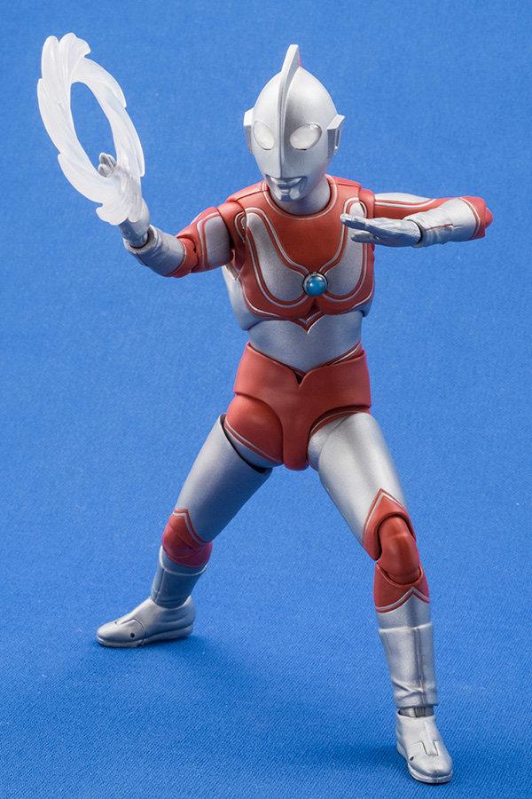 Ultraman (S.H. Figuarts / Bandai) - Page 4 D3572910