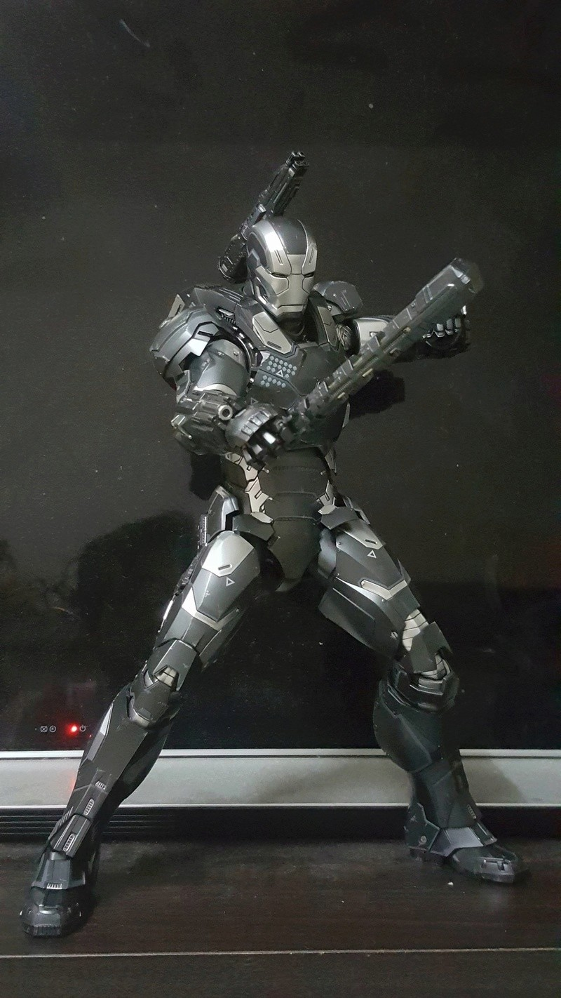Captain America Civil War : War Machine 1/6 (Hot Toys) Dcjvsk10