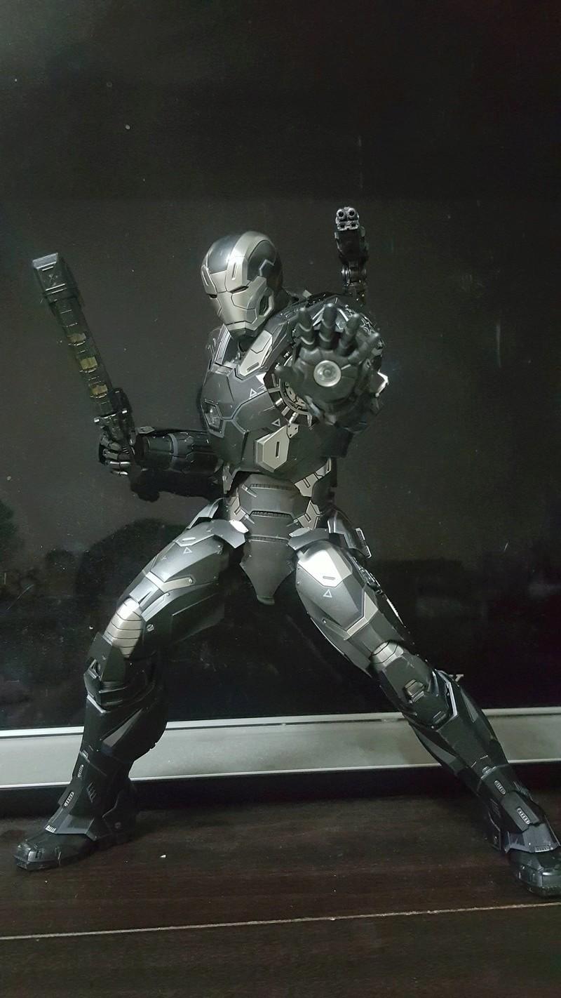 Captain America Civil War : War Machine 1/6 (Hot Toys) Dhcosy10