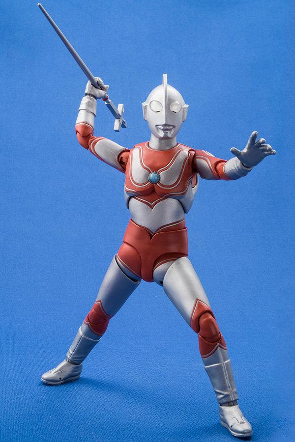 Ultraman (S.H. Figuarts / Bandai) - Page 4 E01b3410