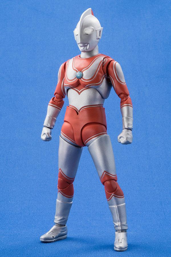 Ultraman (S.H. Figuarts / Bandai) - Page 4 F06cd710