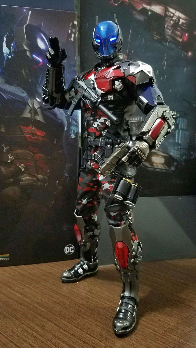 Batman Arkham Knight - 1/6 Collectible Figure (Hot Toys) Joujhs10