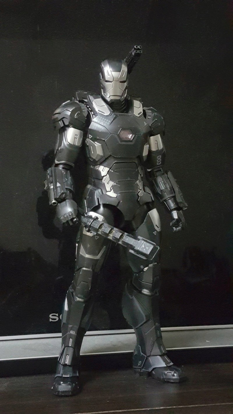 Captain America Civil War : War Machine 1/6 (Hot Toys) Opyhww10