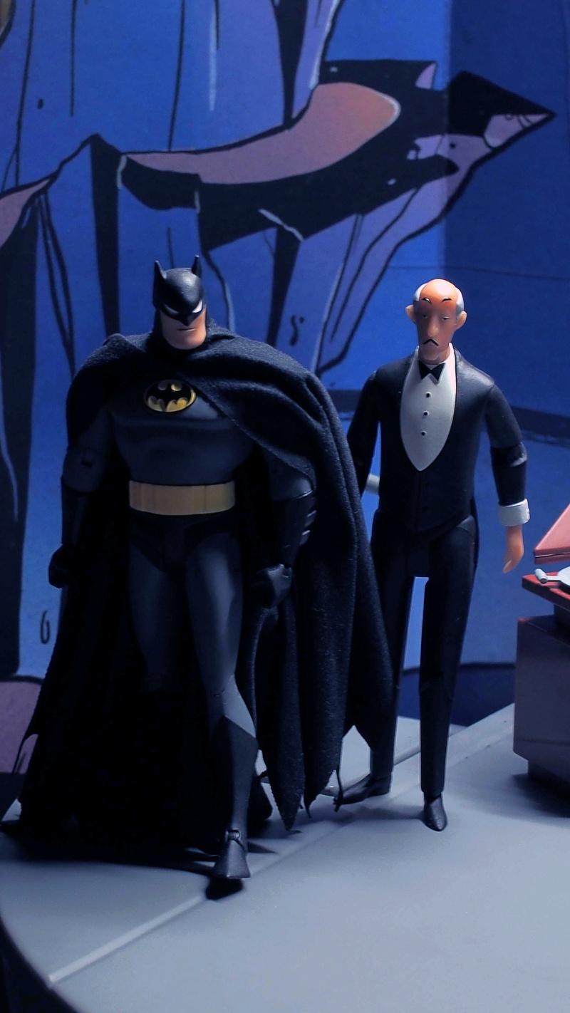 DCC Batman Animated Series Batcave Playset ft. Alfred & Batmobile Poqiq910