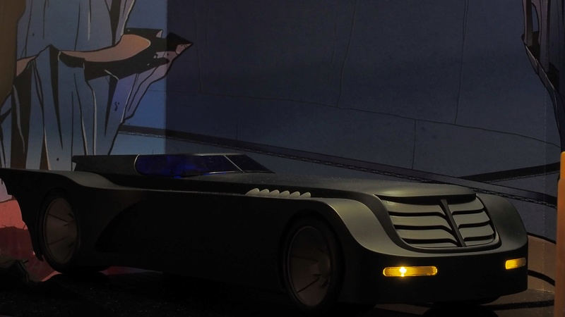 DCC Batman Animated Series Batcave Playset ft. Alfred & Batmobile Skbnwk10