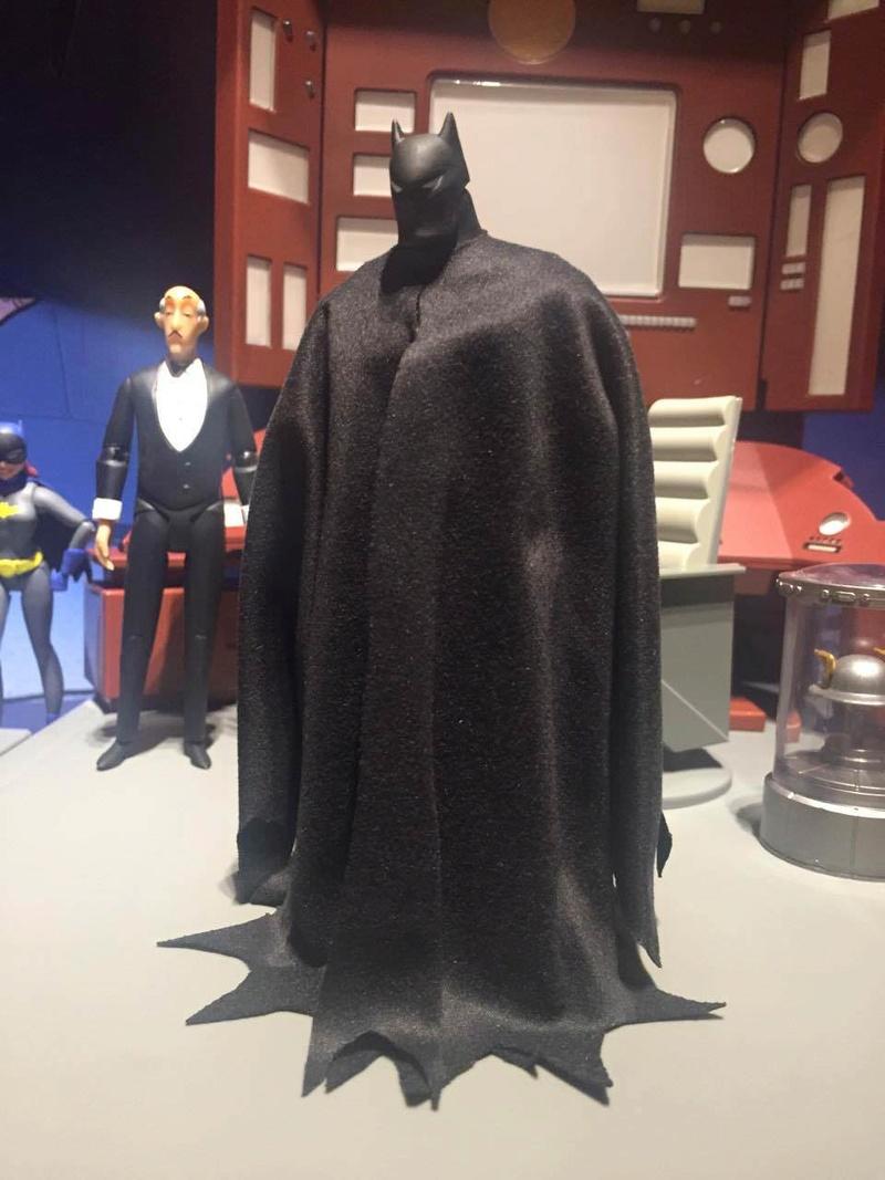 DCC Batman Animated Series Batcave Playset ft. Alfred & Batmobile Unbwht10