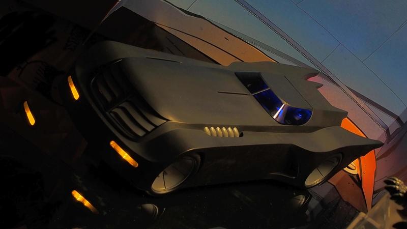 DCC Batman Animated Series Batcave Playset ft. Alfred & Batmobile Wybfql10