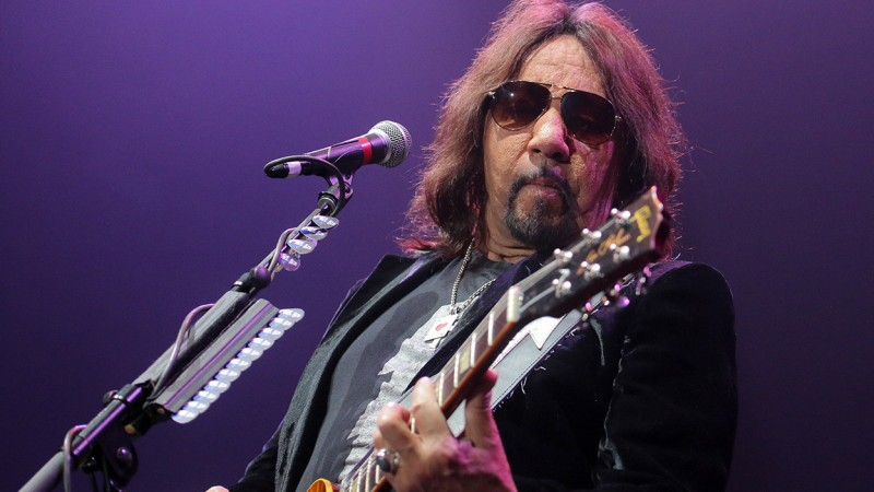 Ace Frehley News ! - Page 35 069bbd10
