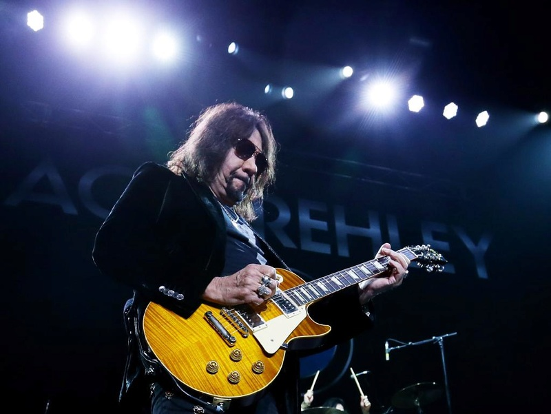 Ace Frehley News ! - Page 34 5df51a10