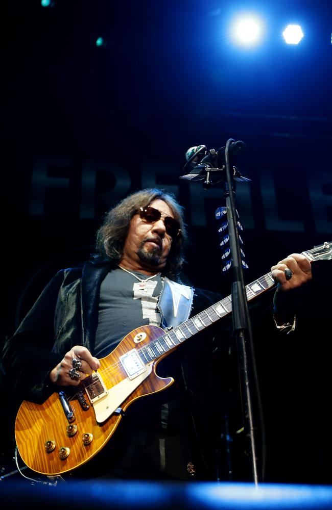 Ace Frehley News ! - Page 34 A5d1b010