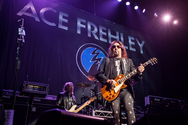 Ace Frehley News ! - Page 34 Ace-fr10
