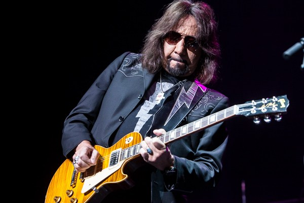 Ace Frehley News ! - Page 34 Ace-fr12