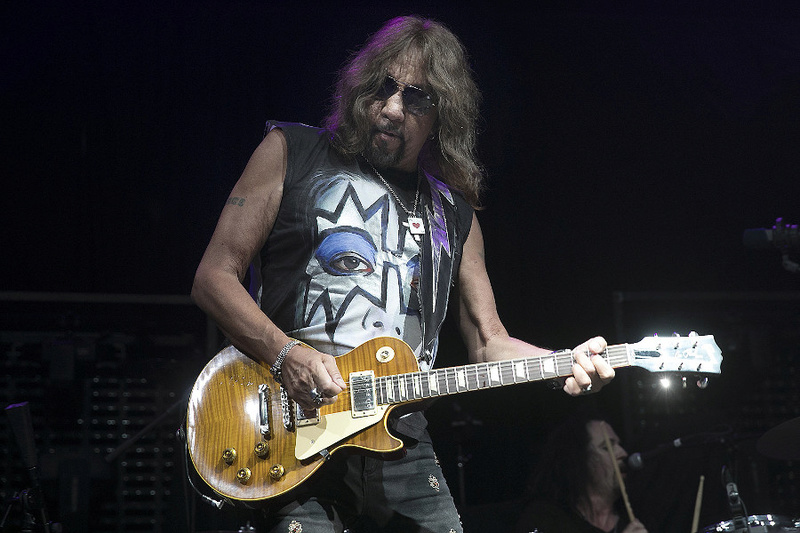 Ace Frehley News ! - Page 36 Ace_fr11