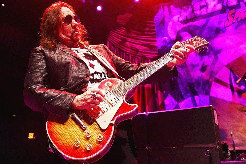 Ace Frehley News ! - Page 8 Frehle10