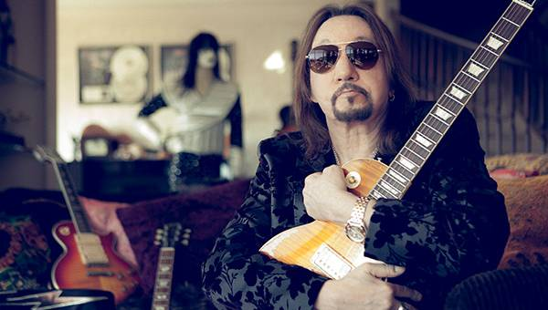 Ace Frehley News ! - Page 34 R0_15_10