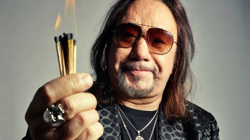 Ace Frehley News ! - Page 34 R40_0_10