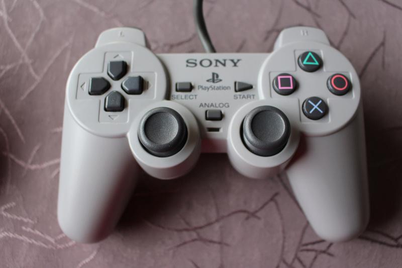 [EST] JE vais peut etre devoir faire de la place - multi support Sony-d10