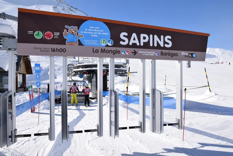 Télésiège fixe 4 places (TSF4) Sapins, la Mongie - LST Dsc_0247