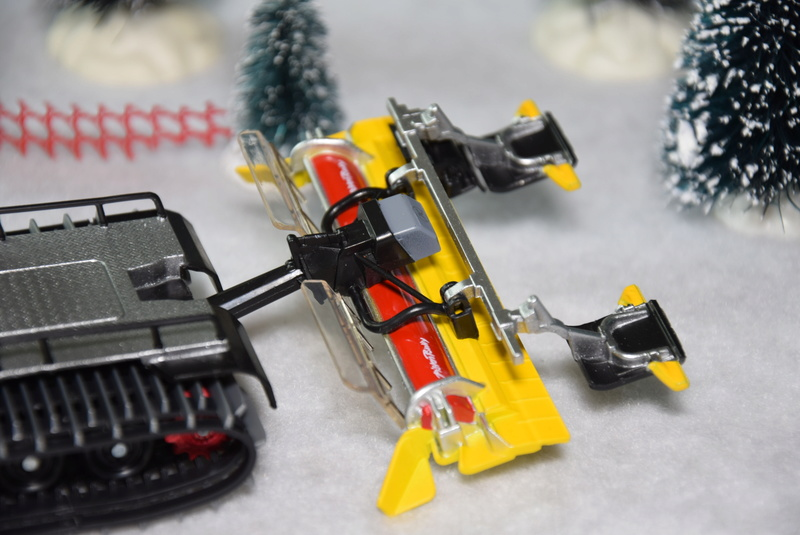 Pistenbully 100 SCR 4F Miniature Dsc_0387